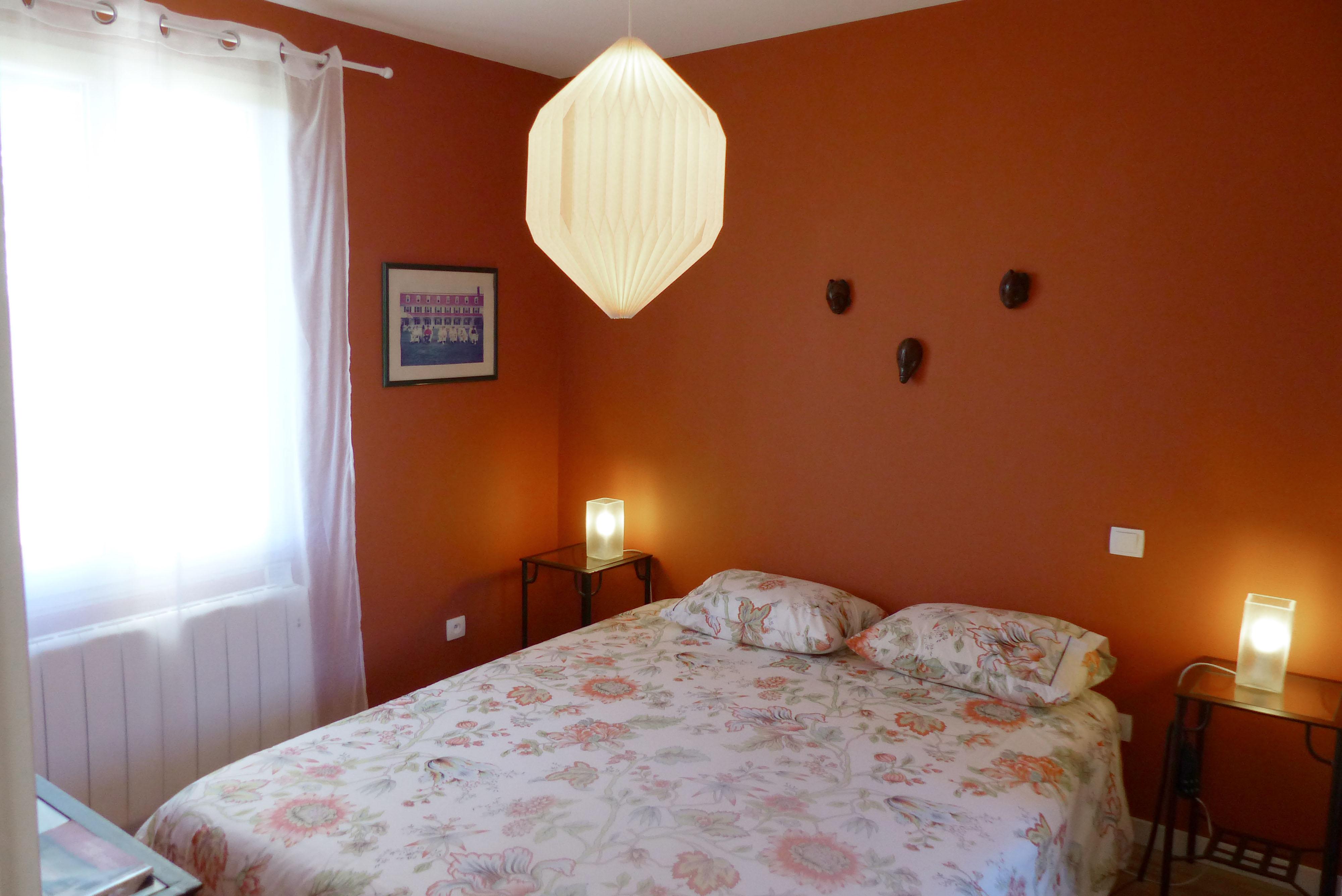 chambre a coucher greta avec des id es int ressantes pour la conception de la chambre. Black Bedroom Furniture Sets. Home Design Ideas